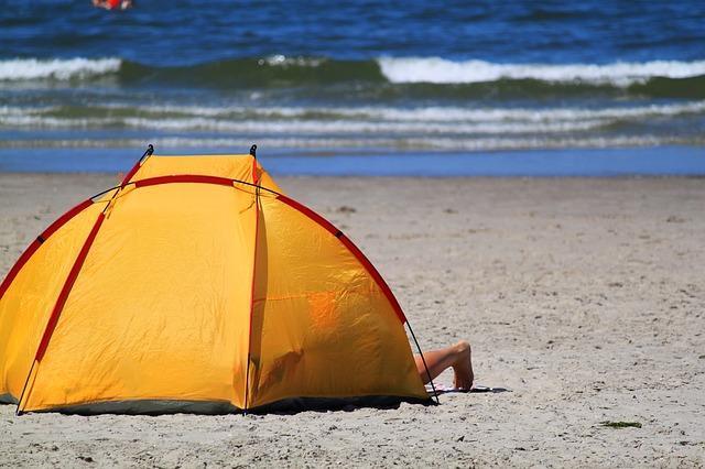 Отдых в Крыму дикарем - самостоятельно с палатками на море!