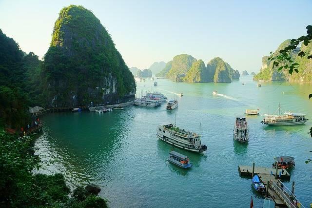 Достопримечательности Ханоя: экскурсия в бухту Халонг