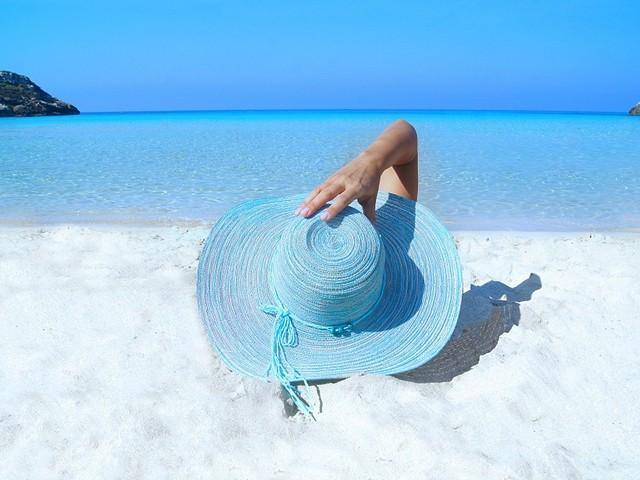 Тропический рай с лазурным морем и белоснежным песком - остров Бамбу в Тайланде