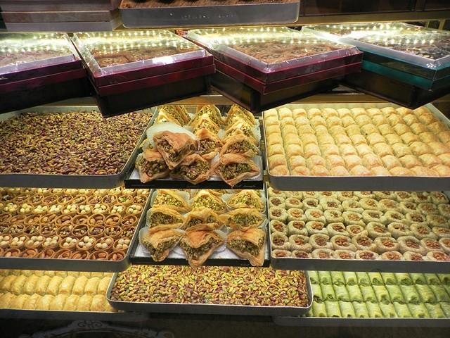 Обилие красок восточного базара - рынки в Алании