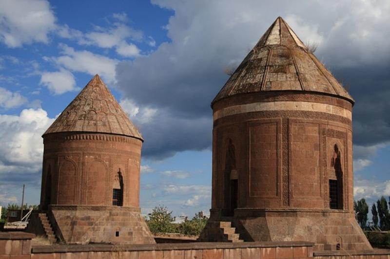 Важнейший объект армянского культурного наследия - остров Ахтамар