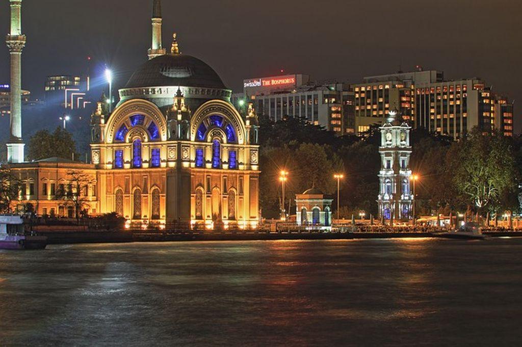 Создайте себе яркий и колоритный праздник - Новый год в Стамбуле