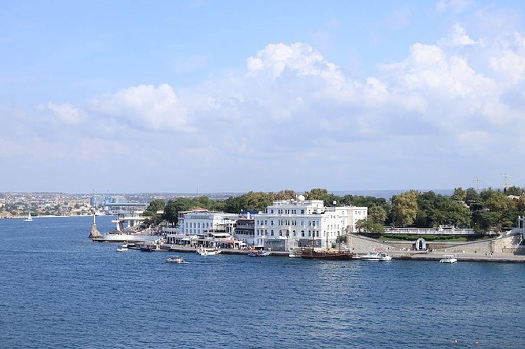 Едем в Крым - как быстро и недорого добраться в Севастополь?