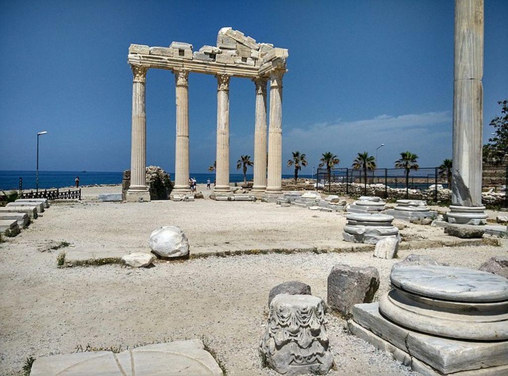 Пляжи Сиде ☀ где отдохнуть, насладившись архитектурой древнего города?