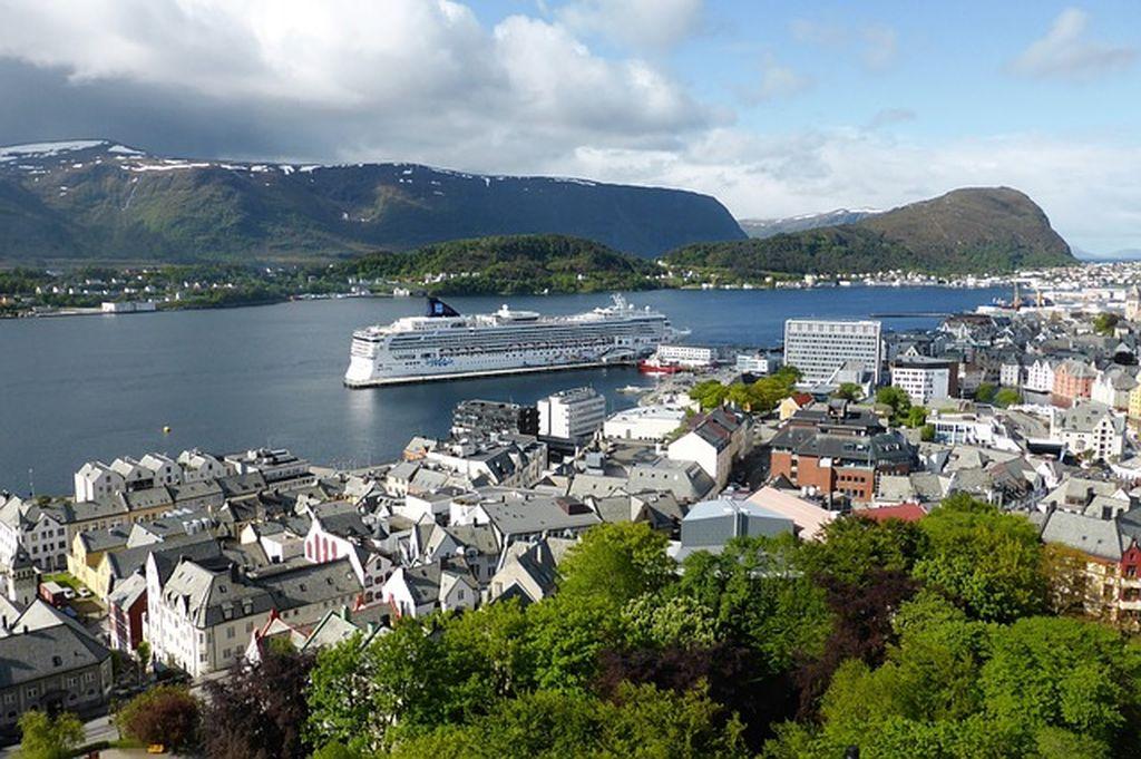 Круиз по фьордам Норвегии ✔ отзывы и выгодные предложения
